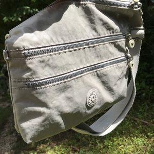Kipling Alvar crossbody bag!!